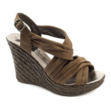 xti wedge sandals brown xti 25221 brown wedges