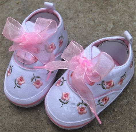 pink toddler baby tennis shoes size 2 3