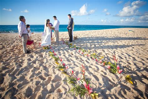 Wedding Packages in Oahu, Kauai, Molokai & Maui ? Green Hawaii Wedding Tips