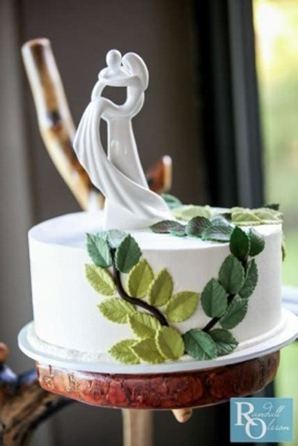 7 Most Unique Cake Toppers by 39 Really Unique Wedding Cake Toppers Weddingomania