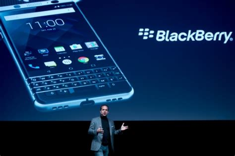 mobile themes world blackberry china s tcl brings back physical keyboard in new blackberry