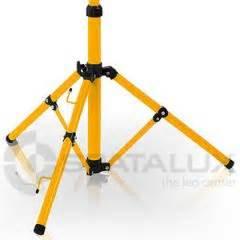 led strahler für innen stativ f 195 œr led strahler 10kg tragkraft gelb schwarz