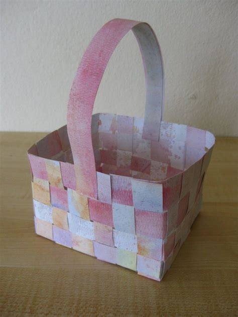 How To Make A Paper Weave Basket - how to make woven paper easter baskets craft projects