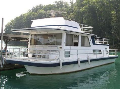 gibson house boats 44 best images about house boats on pinterest fishing boats lakes and pontoons