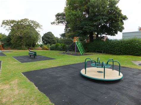 find  local playgrounds parks  play areas