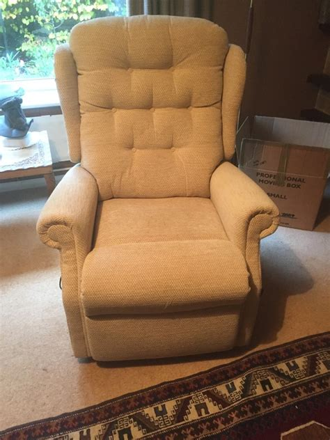 second hand rise and recline chairs comfomatic deluxe rise and recline chair chairs buy