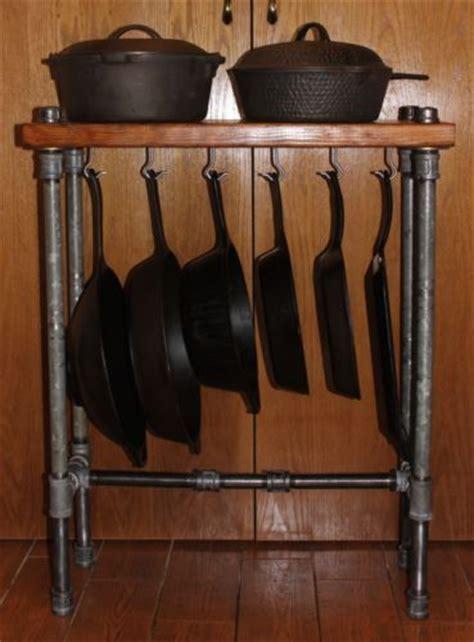 Iron Pan Rack Best 10 Reclaimed Wood Kitchen Ideas On