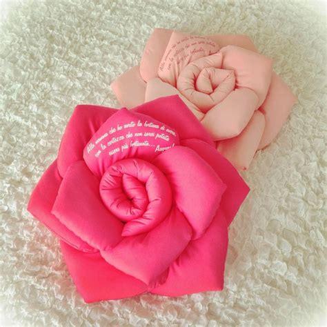 cuscini maglia 17 migliori idee su cuscini a maglia su