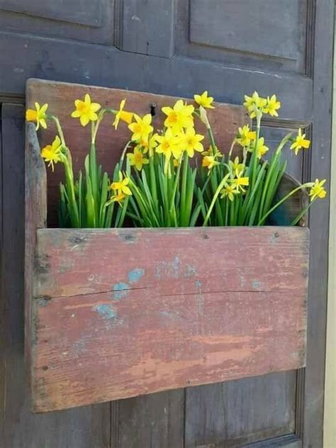 rustic spring porch decor ideas    home bloom