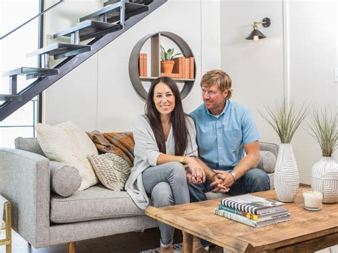 chip and joanna gaines house boat tune into the fixer upper aftershow on facebook live