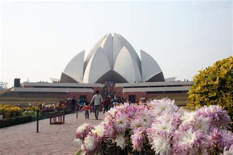architect of lotus temple architecture of lotus temple new delhi india yarn