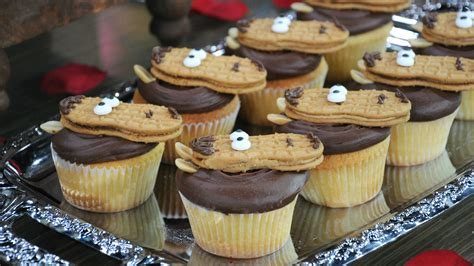 kentucky derby food ideas mint juleps horseshoe cupcakes and more today com