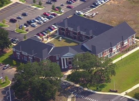 fsu frat houses total frat move 18 of the biggest and best fraternity houses in the country