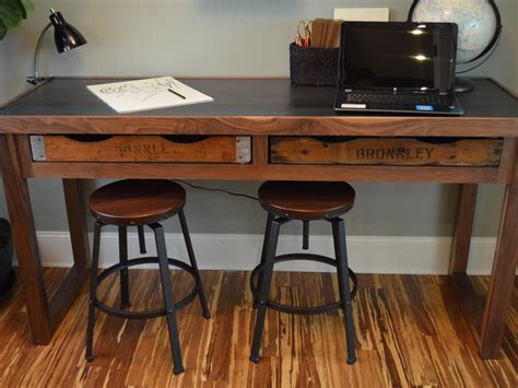 Build Office Desk How To Build A Rustic Office Desk How Tos Diy