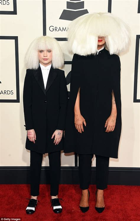 Sia Chandelier Audio Sia S 12 Year Old Mini Me Dancer Maddie Ziegler Arrives In