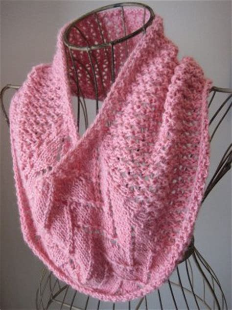 one skein cowl knitting pattern one skein strawberries and cowl allfreeknitting