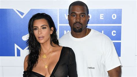kim and kanye split september 2018 kim kardashian kanye west surrogate is pregnant metro us