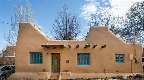 pueblo style homes a pueblo style solar house in santa fe new mexico youtube