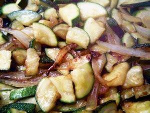 cucinare carote in padella carote in padella la ricetta per cucinare un contorno