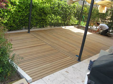 pavimento legno giardino pavimenti in legno per esterni giiblog