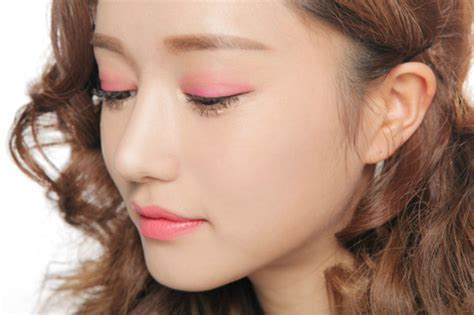 Podcast 3 2007 Makeup Trends 2 by What S In Korea Pink