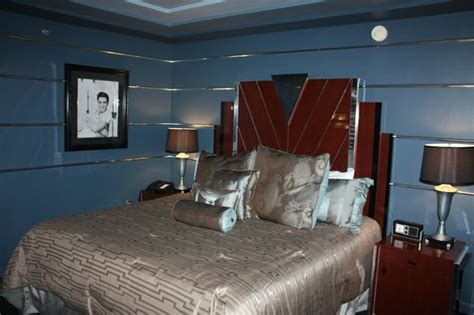 elvis bedroom 301 moved permanently