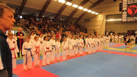 Maen Kata 001 gojukai seinan karateklubb