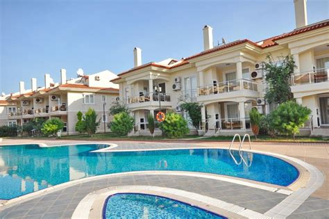 apartment 3 bedroom for rent sunset park apartment to rent in calis beach turkey with shared pool