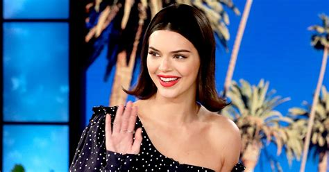 kendall jenner says she s sticking with sister kim s no kendall jenner says she is not gay daily gossip
