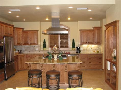 Kitchen Colors That Go With Oak Cabinets Kitchen Colors To Go With Brown Cabinets Http Www Nauraroom Kitchen Colors To Go With