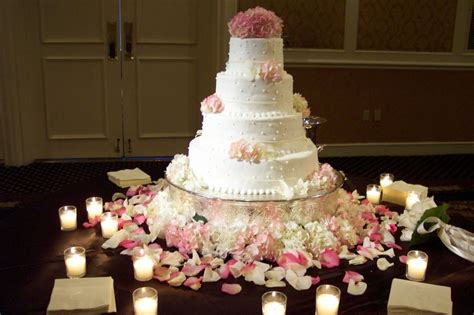 wedding cake table decor ease on the wedding road anecdote by mercury errands we get things done for you