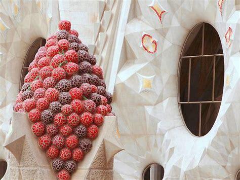 fruit x familia fruit spire la sagrada familia antoni gaudi barcelona