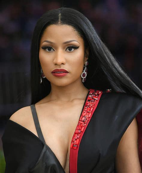 Nicki Minaj Hairstyles by Nicki Minaj Cut Newest Looks Stylebistro