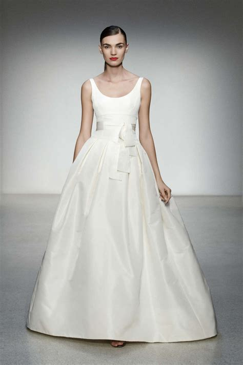 wedding dress with wedding dress pictures