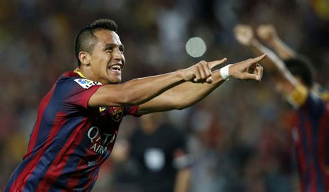 alexis sanchez juventus liverpool and arsenal face fight from juventus for alexis