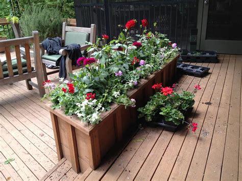 21 beautiful flowerbox design ideas