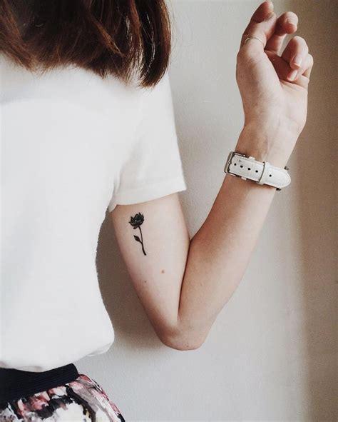 minimalist gemini tattoo 25 best ideas about minimalist tattoos on pinterest