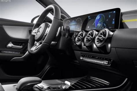 Bmw 1er 2017 Cockpit by Mercedes A Klasse 2018 Erster Blick Ins Cockpit Des 1er