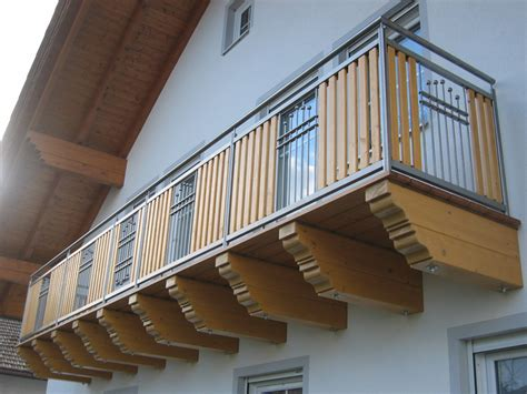 edelstahl balkon balkon aus edelstahl und holz elementen aus dem