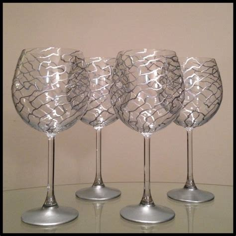 wine glass painting 257 best images about wine glass decorating on pinterest