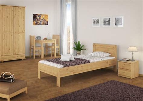 einzelbetten aus holz hotelbett einzelbett g 228 stebett 90x200 massivholzbett