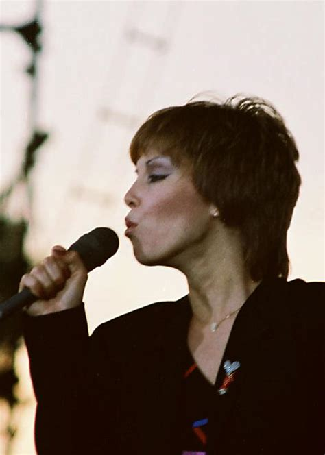 file pat benatar 2007 09 07 jpg wikimedia commons