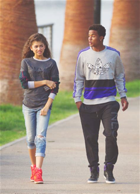 trevor jackson zendaya coleman zendaya and trevor jackson at the beach www imgkid