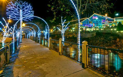 lights in gatlinburg tn 8 reasons to experience winter magic in gatlinburg tn