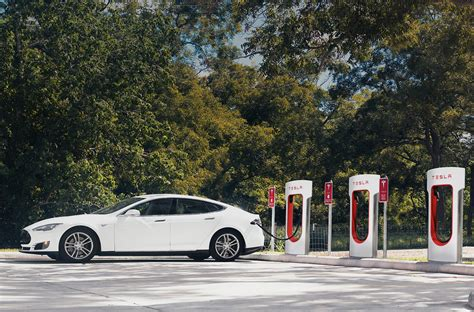 Superchargers Tesla Ruby Tuesday Supercharger Stations To Give Tesla Owners A