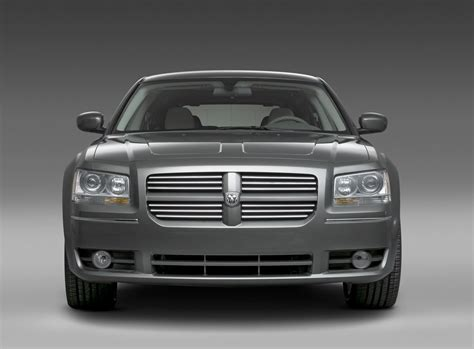 how to learn about cars 2008 dodge magnum parking system detroit auto show 2008 dodge magnum carscoops