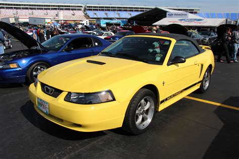 Galerry 1999 ford mustang gt coupe