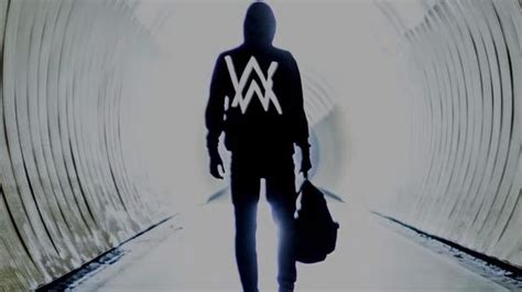 alan walker qui chante qui est alan walker le dj qui cartonne avec quot faded quot lci