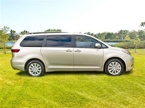toyota minivan aeonhart com 2017 toyota sienna minivan brilliant white