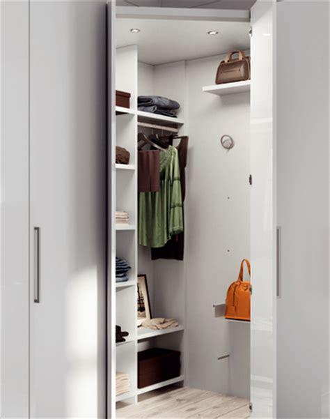 armadio con angolo spogliatoio armadi con mix di aperture armadi su misura mercantini